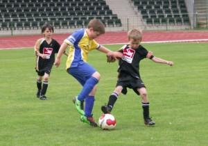 F-Junioren im Jahnstadion