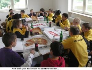 Pizzaessen für D1-Herbstmeister